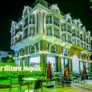 Brilliant Majestic Villa Hotel